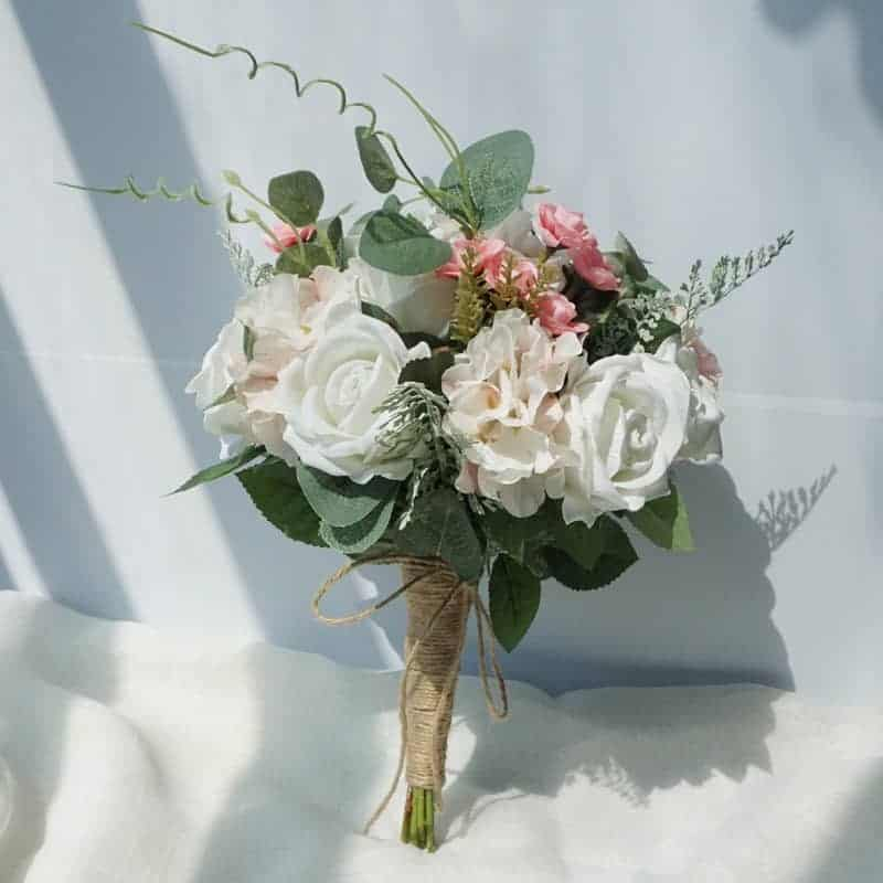 Previous product Next product Wedding Flowers Birdal Bouquet Natural White Roses