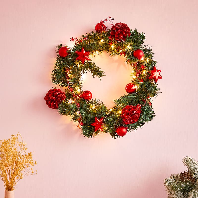 Pre-Lit Led Light Decorated Wreath 2